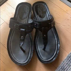 Cole Haan NikeAir Black Patent Comfy Thong Sandals